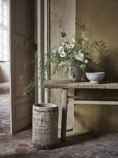 Add some greenery to your home with our life-like faux flowers. See every hand-painted petal in our online Flower Shop or in-store. Interior Design Tips, Interior Styling, Rustic Style, Modern Rustic, Online Flower Shop, Rustic Kitchen Design, Tadelakt, Stone Flooring, Faux Flowers