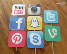 Photo Props: The Social Media Icon Set 8 Pieces by BabyBinkz Instagram Party, Instagram And Snapchat, Party Emoji, 13th Birthday Parties, 14th Birthday, Retirement Parties, Youtube Party, Social Media Icons, Photo Props
