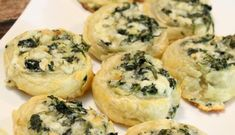 Check out this Creamy Spinach Roll Ups Recipe for the Super Bowl Game Day Parties! Mini Bite Size Snacks for The Big Game! Spinach Bites Recipe, Creamy Spinach Roll Ups Recipe, Spinach Rolls, Bite Size Snacks, Bite Size Appetizers, Brunch Recipes, Appetizer Recipes, Roll Ups Recipes, Partys