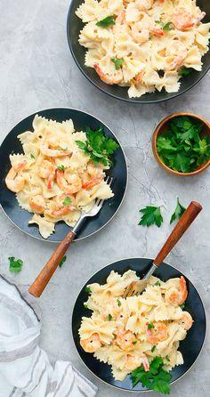 Pasta Dinner Recipes, Vegetarian Recipes Dinner, Shrimp Recipes, Chicken Recipes, Instant Pot Pasta Recipe, Best Instant Pot Recipe, Instant Pot Dinner Recipes, Easy Meals, Fun Easy Recipes