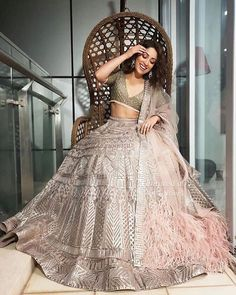 Yami Gautam in Falguni Shane Peacock lehenga | Pastel lehengas | Bridesmaids outfit ideas | Sister of the bride outfit ideas | Priyanka Chopra and Nick Jonas Wedding reception | Guests outfit ideas for Indian weddings | Pastel Pink and gold lehenga | Gota Patti lehnega | Reception outfit ideas | Celebrity weddings | #fashion #weddingphotography #couples | Indian bridal couture | Featured on WittyVows |