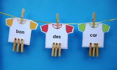 Activité La corde à linge des mots fréquents Les élèves lisent des mots fréquents écrits sur des cartes en forme de chandail. Ils épellent ensuite ces mots à l'aide d'épingles à linge. Il s'agit d'une activité qui permet de pratiquer la reconnaissance rapide des mots fréquents afin d'augmenter la fluidité et la compréhension en lecture. Document modifiable! French Teaching Resources, Teaching French, Grade 1 Reading, Core French, French Immersion, French Teacher, Word Study, Literacy, Classroom