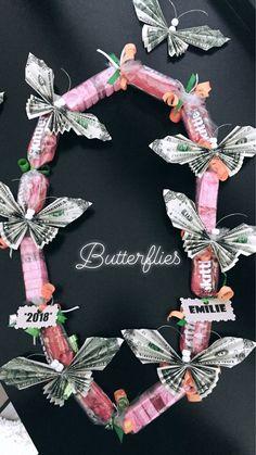 Graduation Money Lei - Butterflies Graduation Leis, Graduation Party Decor, College Graduation, Money Lei, Money Cake, Money Origami, Origami Paper, Creative Money Gifts, Money Gifting