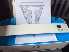 Vimplar med bokstäver att skriva ut och färglägga.