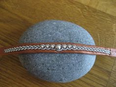 how to do the double snowflake braid Sami bracelet Bone Jewelry, Leather Jewelry, Leather Craft, Wire Crafts, Jewelry Crafts, Horse Accessories, Thread Jewellery, Braided Bracelets, Wire Weaving