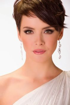 Cute Short Hair Styles for Women 2014.    I like the bangs!