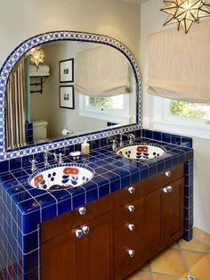The cultural aspects of a Spanish-inspired home interior make it a popular choice among Americans. Whether you love a Southwestern or Old World Spanish look, these design ideas will help you incorporate Spanish-style flair into your home. Spanish Style Bathrooms, Spanish Style Decor, Spanish Bathroom, Spanish Style Homes, Spanish Tile, Spanish Revival, Spanish Modern, Spanish Design, Küchen Design