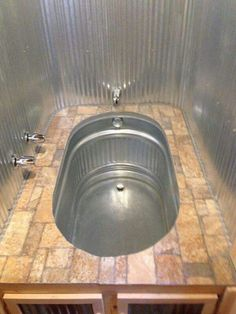 Awesome Small House Bathroom Shower and Tub Design Ideas - Page 13 of 64 Tiny House Swoon, Tiny House Living, Living Room, Metal Building Homes, Building A House, Building Ideas, Metal Homes, Horse Trough Bathtub, Tin Bathtub