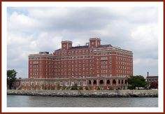 Historic Chamberlin Hotel in Hampton, Virginia  5.18.85  what a reception!