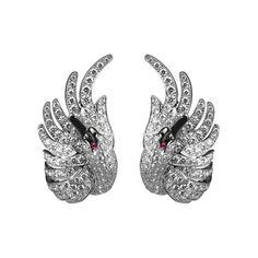 Les boucles d'oreilles Cypris de Boucheron - The way they sit on the ear gorgeous