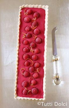 Raspberry Curd Tart ~ Romantic and chic dessert for Valentine's Day!