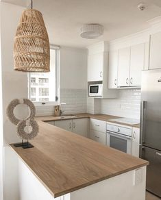 Quality Timber Benchtops: Custom Made by RAW Sunshine Coast Wooden Benchtop Kitchen, Wooden Kitchen Bench, Timber Benchtop, Timber Kitchen, Kitchen Benchtops, Boho Kitchen, Kitchen Tops, Kitchen Cupboards, Home Decor Kitchen