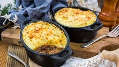 Recipe - Christan Willis - Mini Shepherd's Pies - Home & Family Beef Dishes, Food Dishes, Main Dishes, Beef Recipes, Cooking Recipes, Home And Family Hallmark, Peeling Potatoes, Family Meals, Family Recipes