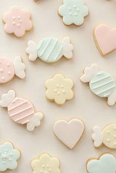 pastel color cookies by Hello Naomi