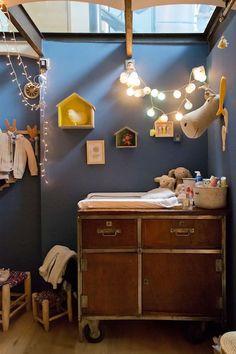 Stoere en gezellige babykamer - warme kleuren - Nursery