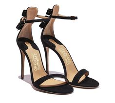 Detailed Bow Sandal
