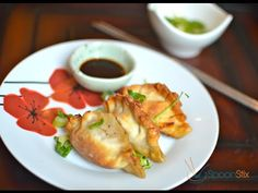 Fresh Pork Dumplings cooked in AirFryer, Pan Fried or Boiled. Learn how to make it in 1 minute! Spoonstix