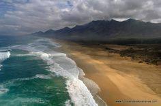 Tenerife, Fuerteventura Island, Island Design, Beach Bars, Spain And Portugal, Island Beach, Canary Islands, Belleza Natural, Places To See