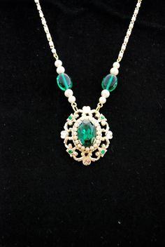 Assemblage vintage style Emerald green gold and by Bungelowjame