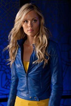 Kara Kent  Smallville. I love watching smallville. Please check out my website thanks. www.photopix.co.nz