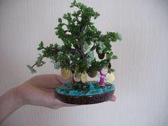 Денежное деревце   с Машенькой,из бисера.