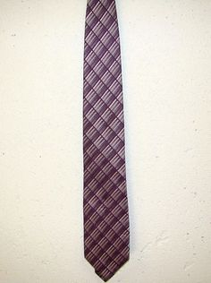 Van Heusen Mens Purple Lavender 100% Silk Mens Dress Neck Necktie Tie 62in #VanHeusen #Tie
