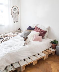 Bed on wood crates/pallets