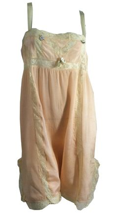 Delicate Pale Peach Lace Trimmed Flapper 1920s Lingerie Step-in Chemise