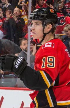 Flyers Hockey, Ice Hockey Teams, Hockey Players, Hockey Girls, Hockey Mom, Hockey Stuff, Capitals Hockey, Maple Leafs Hockey, Hockey Party