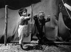 Lucien Clergue. Gypsy children playing