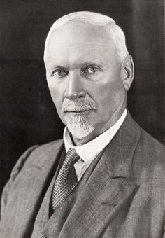 This Day in History: Sep Jan Smuts, statesman, military leader philosopher, dies Union Of South Africa, African History, Military History, Historian, World War Two, Travel Inspiration, Persona, The Past, Christian