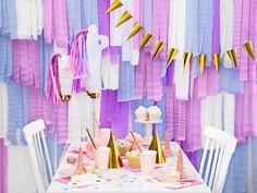 Lumea magica a Unicornilor nu este completa fara o piñata, care ascunde bunatati dulci si mici cadouri! Si pentru ca exista un copil in fiecare dintre noi, piñata Unicorn poate fi folosita atat la petrecerile aniversare pentru micuti, dar si pentru a face un cadou inedit apropiatilor sau cu ocazia Zilei Copilului! _____________________________________ #partymag #articolepetrecere #ziledenastere #party #aniversari #pinata #unicorn #vanzarionline #onlineshooping #staiacasa #comandaonline Bunt, Lily Pulitzer, Decoration, Pink, Knives, Cots, Pinata Ideas, Unicorn Pinata, Ribbon Rose