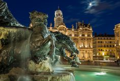 Fontaine Bartholdi - Finally, the renovation of Fontaine Bartholdi is finished!!! At last I could take a shot of this lovely fountain and Hôtel de Ville de Lyon at Place des Terreaux in the evening. The moon yesterday was a very nice bonus.