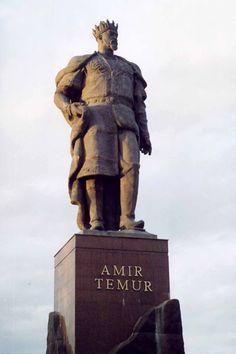 Uzbekistan - Chakhrisabz - statue of Tamerlane