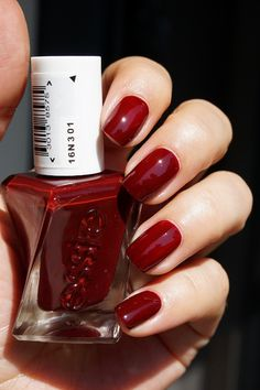 Essie Gel Couture nagellak - 360 Spiked with Style