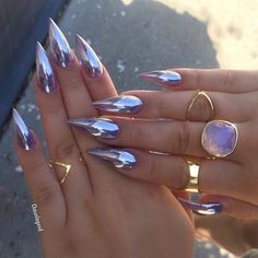@chaunlegend #stilettosuicide #nailporn #stilettonails
