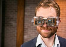 Great news for gamers and movie watchers! Avegant Virtual Retinal Display - Wearable tech - CNET Reviews