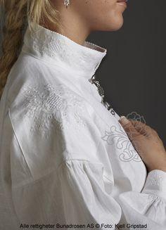 Bolsøybunad til dame - BunadRosen AS Bohemian Gypsy, Bohemian Style, Folk Costume, Costumes, Folklore, Norwegian Royalty, Shirt Blouses, Shirts, Traditional Outfits