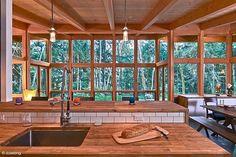 Fascinating prefab cabin on Vashon Island, Washington