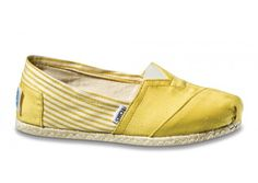 Give more for less with TOMS Sale. Shop TOMS Sale Section for TOMS Shoes, sunglasses and bags. And yes, even when TOMS are on sale, they still give back. Lauren Murphy, Toms Shoes Outlet, Strappy Wedges, Walk This Way, Comfy Shoes, Mellow Yellow, Cheap Shoes, New Shoes, Wedding Shoes