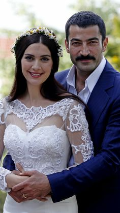 Bergüzar Korel as Feride Şadoğlu and Kenan İmirzalıoğlu as Mahir Kara in Karadayi