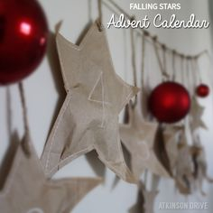 Wow your kids with this easy and beautiful DIY falling stars paper bag advent calendar!  /// by Atkinson Drive