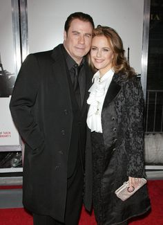 See the latest hair, makeup and fashion trends and what the stars are wearing. Then enhance your own style with fashion tips and beauty secrets. Pulp Fiction, John Travolta Kelly Preston, Johnny Travolta, Black Coat Outfit, Famous Couples, Fashion Couple, Ballerinas, Grease, Famous People