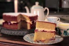 Victoria sponge with Rodda's Cornish clotted cream and jam recipe Victoria Sponge Recipe, Victoria Sponge Cake, Jam Recipes, Baking Recipes, Party Recipes, Free Recipes, Delicious Desserts, Yummy Food, Clotted Cream