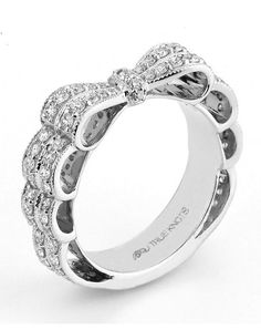 Reminiscent of sheer romance, this anniversary ring designed by TRUE KNOTS® for The Knot Collection is sensual and inspired by the warmth of an embrace. Sparkling with of diamonds, this engagement ring is sure to impress. Available in platinum and gold. I Love Jewelry, Jewelry Box, Jewelry Rings, Unique Jewelry, Jewelry Accessories, Jewelry Design, Jewlery, Ring Set, Ring Verlobung