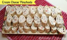 Snacks For Kids Birthday Party Finger Foods Cream Cheeses 61 New Ideas Ham Pinwheels, Cream Cheese Pinwheels, Tortilla Pinwheels, Tortilla Pinwheel Appetizers, Yummy Appetizers, Appetizers For Party, Appetizer Recipes, Party Snacks, Parties Food