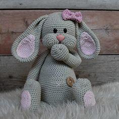 Crochet amigurumi doll diy 43 new ideas Crochet Easter, Crochet Fish, Easter Crochet Patterns, Crochet Bunny, Crochet Patterns Amigurumi, Amigurumi Doll, Crochet Animals, Crochet For Kids, Crochet Dolls
