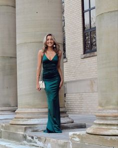 #formal #pictures #inspiration Total Sorority Move, Total Frat Move, Sorority Formal Dress, Woo Girl, Online Shopping For Boys, College Parties, Just Shop, Latest Outfits