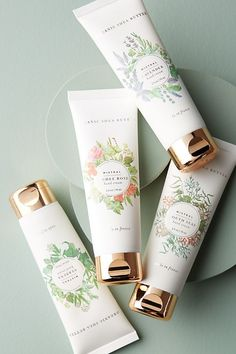 Mistral classic hand cream gifts for her дизайн упаковки, ди Skincare Packaging, Beauty Packaging, Cosmetic Packaging, Product Packaging, Print Packaging, Hand Lotion, Body Lotion, Cosmetic Design, Candle Labels