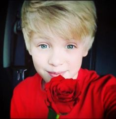 I adore this picture. Only if carson really did give a rose to me. I would....like....die!!!